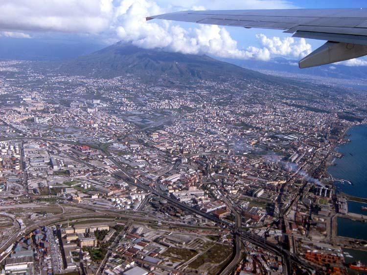 how to get from napoli airport to capri