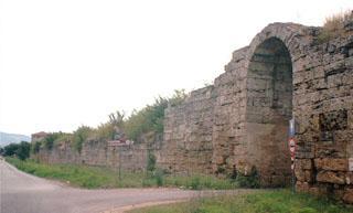 Paestum fotografie mura della citt e il museo - Porta sirena capaccio ...